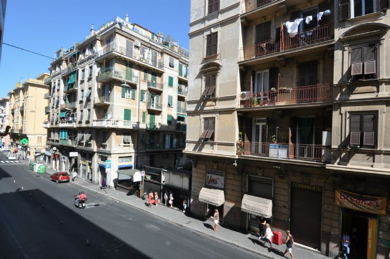 Bilocale Genova Via Torti 9