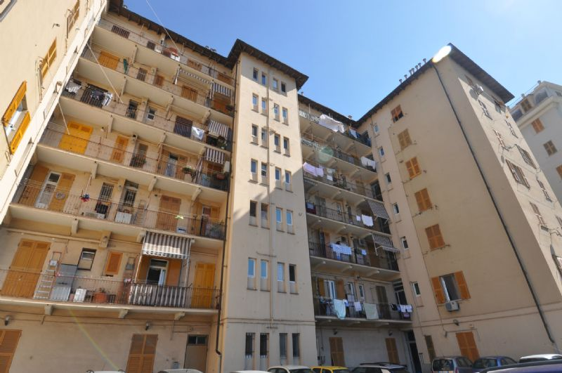 Bilocale Genova Via Torti 10