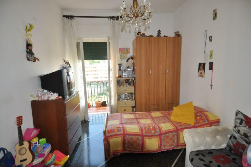 Bilocale Genova Via Sapeto 2