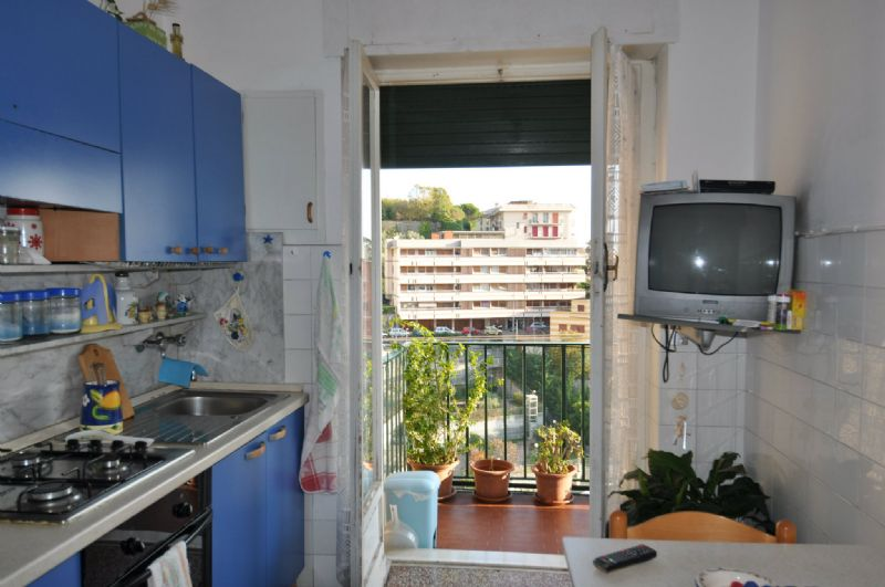 Bilocale Genova Via Sapeto 6