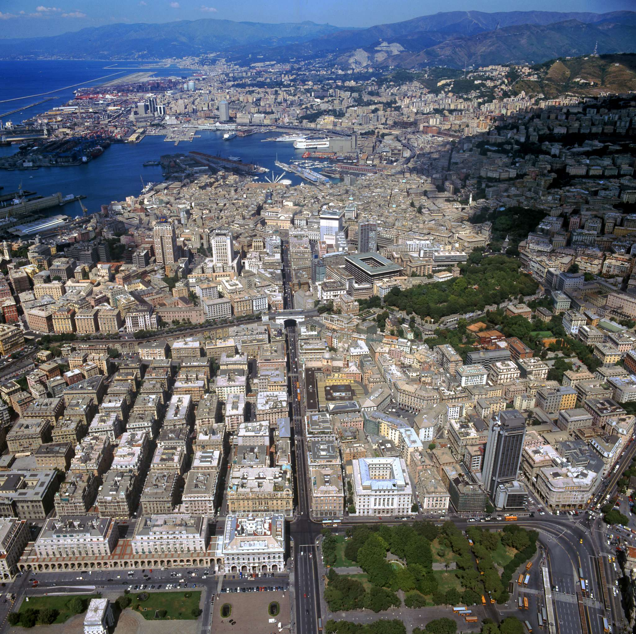 Genova Vendita CAPANNONE