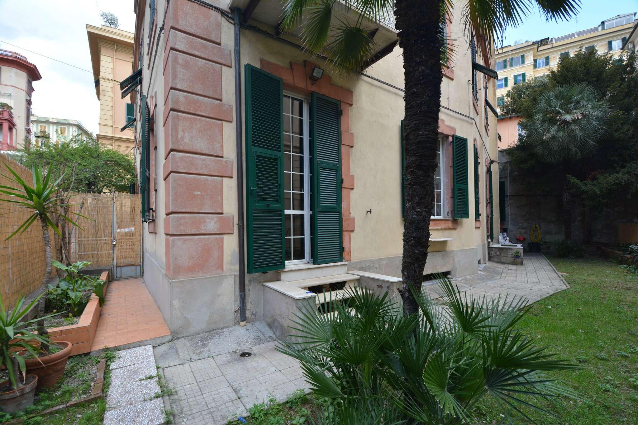 Foto 1 di Appartamento via Felice Romani, Genova (zona Centro città)