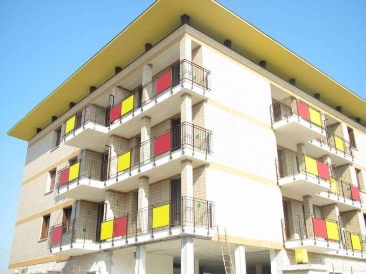 Bilocale Somma Lombardo Via Piave 2