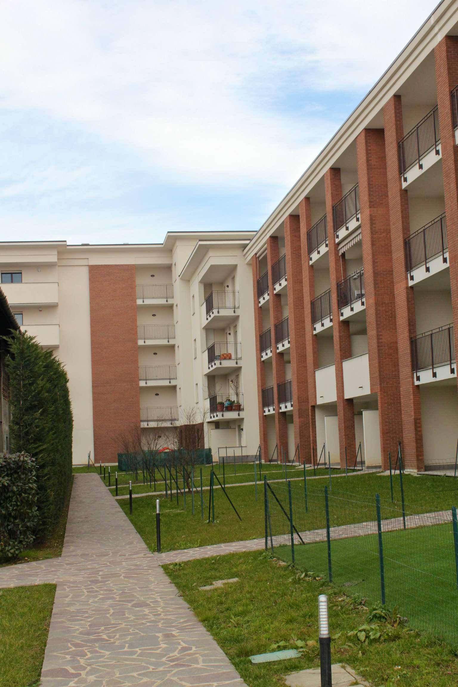 Bilocale Agrate Brianza Via Della Cascinetta 12
