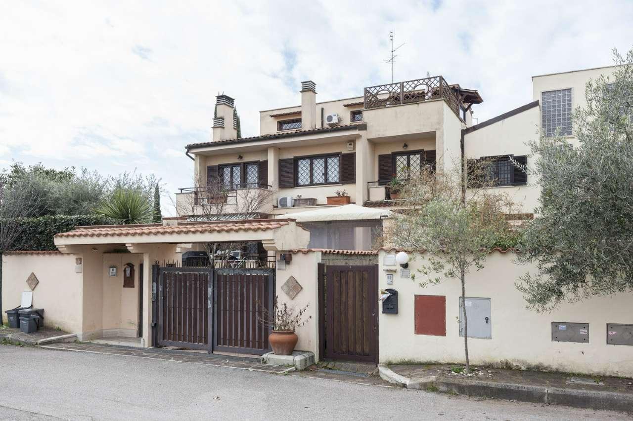 Villa in affitto a Roma in Largo Pinzano