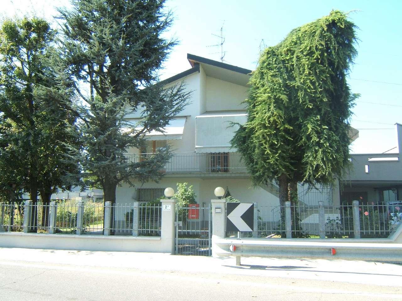 Villa in vendita a Anzola dell'Emilia, 15 locali, prezzo € 450.000 | CambioCasa.it