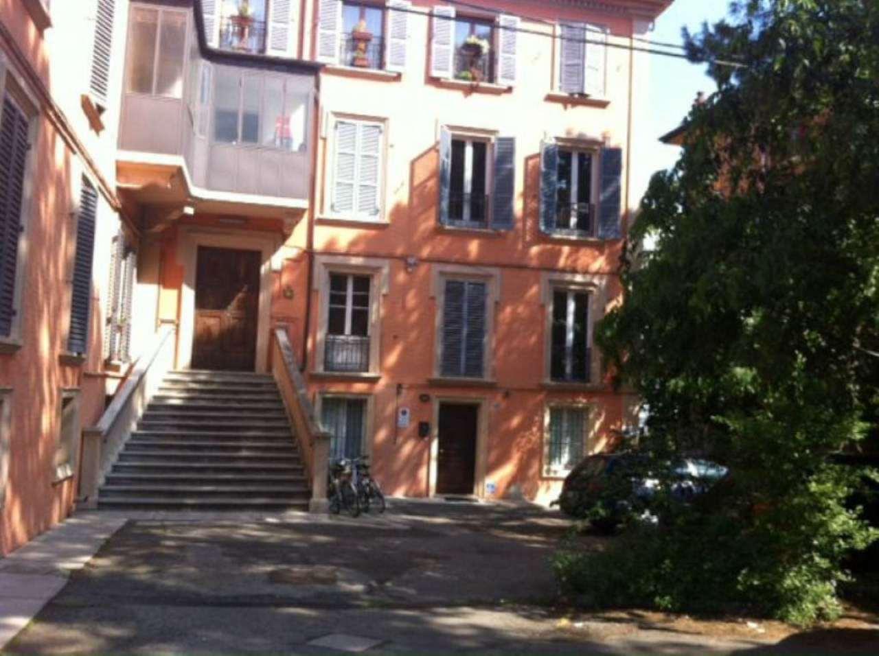 Bilocale Bologna Via Massarenti 2