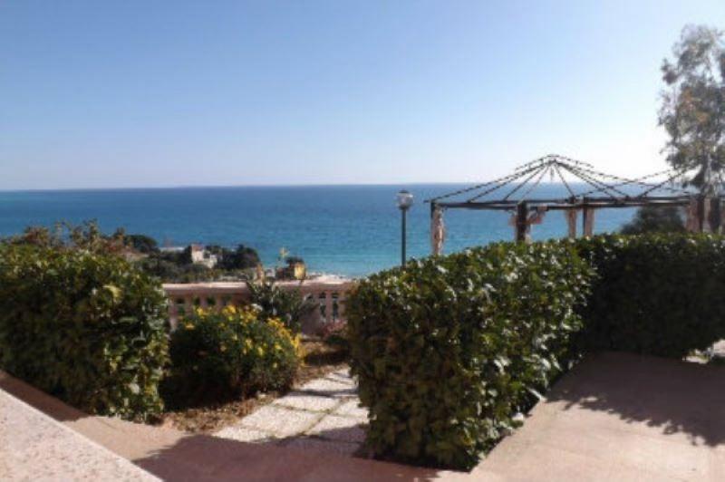 Villa in vendita a Ventimiglia, 5 locali, Trattative riservate | Cambio Casa.it