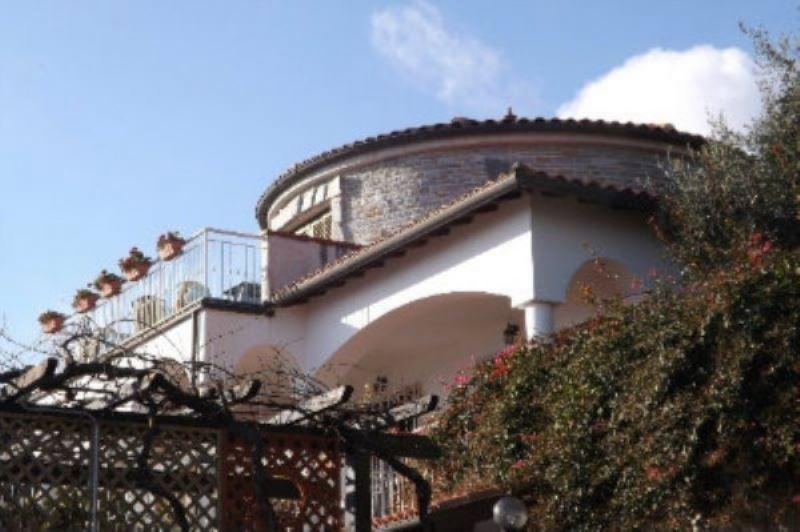 Villa in vendita a Ventimiglia, 6 locali, prezzo € 1.650.000 | Cambio Casa.it