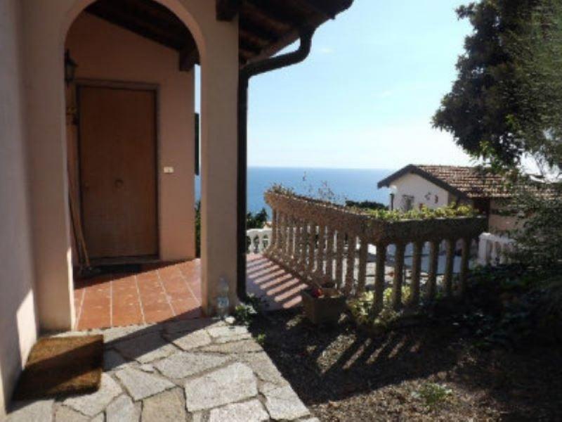 Soluzione Indipendente in vendita a Ventimiglia, 5 locali, Trattative riservate | CambioCasa.it