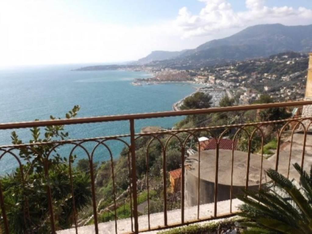 Appartamento in vendita a Ventimiglia, 6 locali, prezzo € 420.000 | Cambio Casa.it
