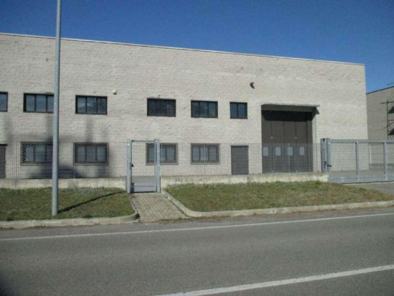 Immagine immobiliare capannone industriale A Borgaro, nella nuova zona industriale PIP di via Mappano in posizione strategica, comodissima alla superstrada dell'aeroporto e alla tangenziale di Torino, AFFITTIAMO capannone industriale come nuovo, adoperato...