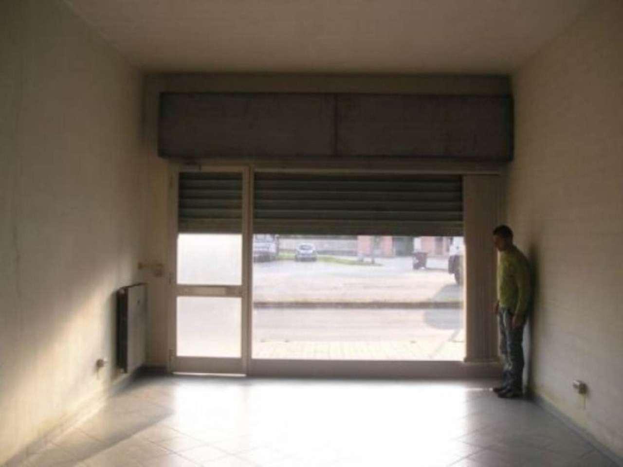 Negozio in vendita via Don Capirone Rivarolo Canavese