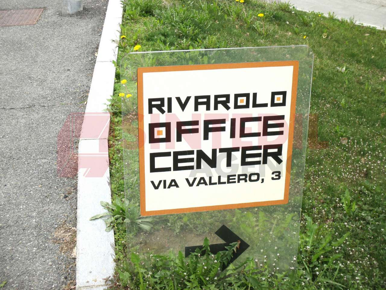 Immagine immobiliare ufficio luminosissimo e spazioso A Rivarolo Canavese, Via Vallero (zona centrale) nella nuova palazzina direzionale denominata