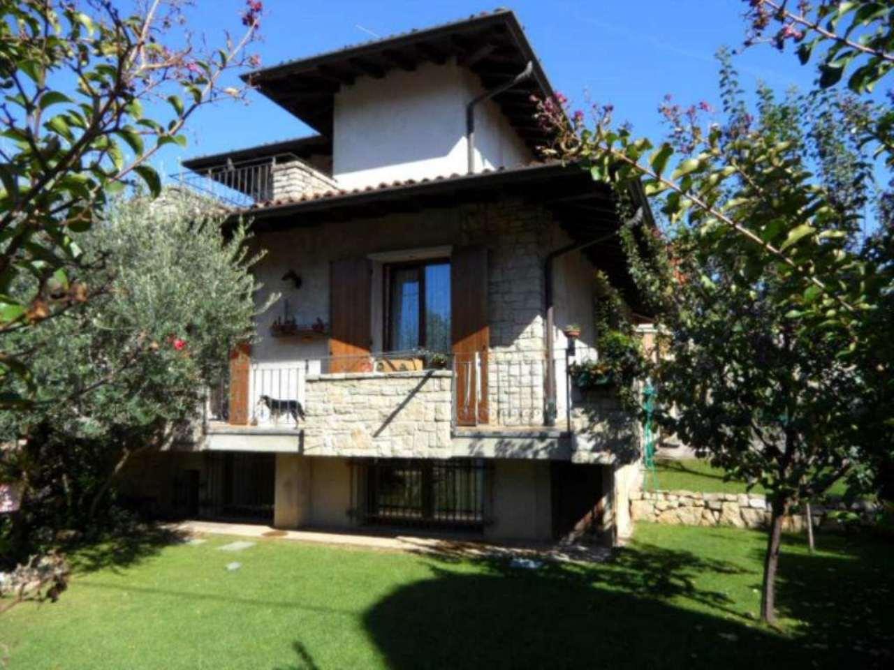 Villa in vendita a Albano Sant'Alessandro, 5 locali, prezzo € 390.000 | Cambio Casa.it