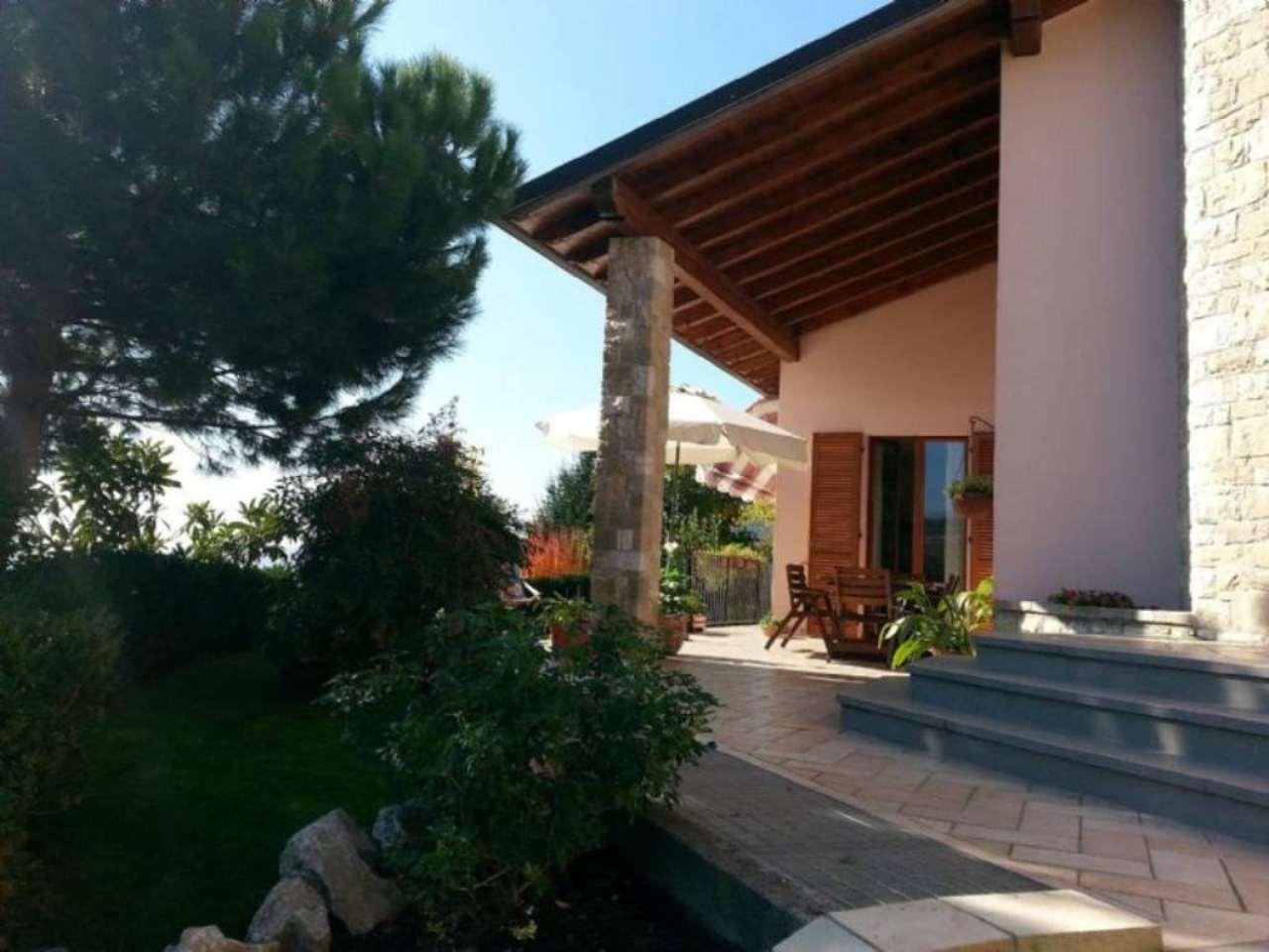 Villa in vendita a Cenate Sotto, 4 locali, prezzo € 750.000 | Cambio Casa.it