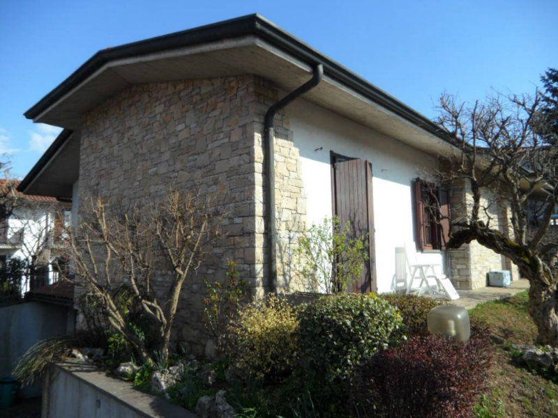Villa in vendita a Seriate, 3 locali, prezzo € 380.000 | Cambiocasa.it