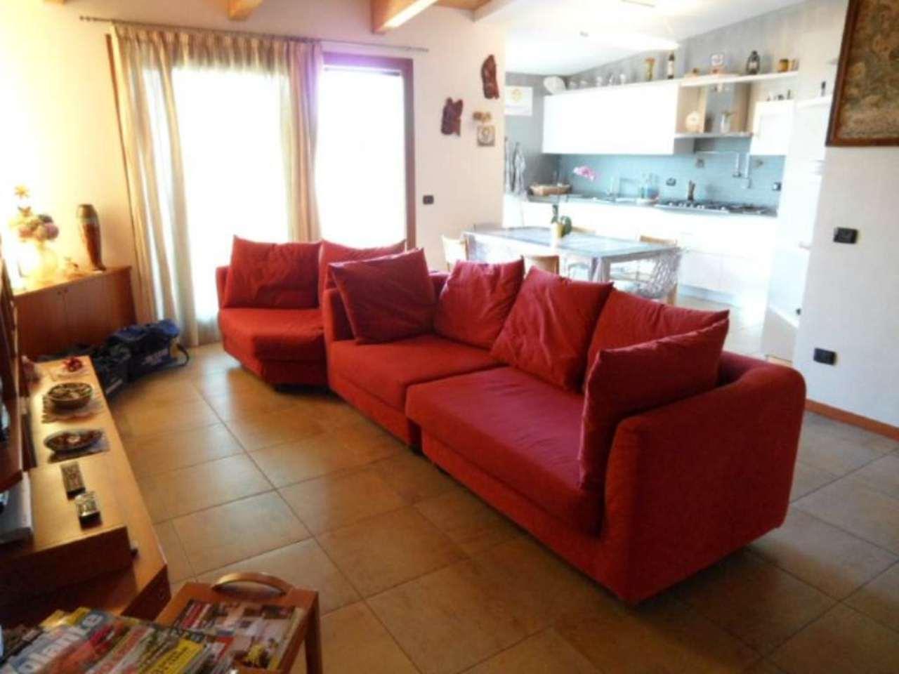 Attico / Mansarda in vendita a Seriate, 3 locali, prezzo € 236.000 | Cambio Casa.it
