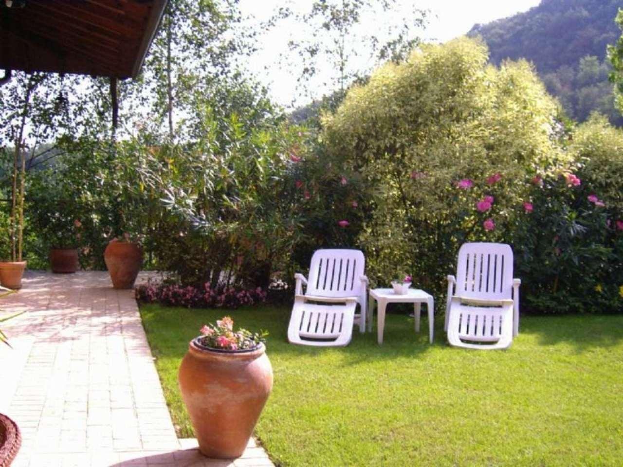 Villa in vendita a Albano Sant'Alessandro, 5 locali, prezzo € 480.000 | Cambio Casa.it