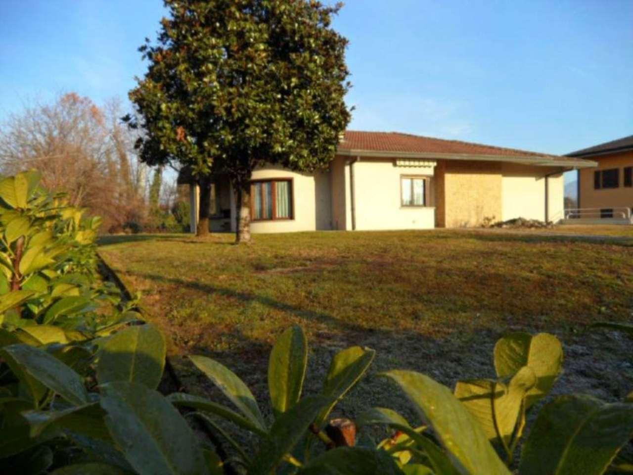 Villa in vendita a Seriate, 4 locali, prezzo € 520.000 | CambioCasa.it