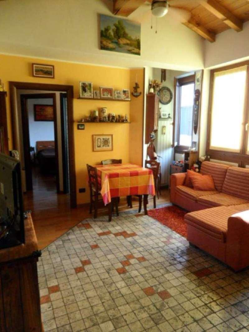 Bilocale Costa di Mezzate Via Marconi 2