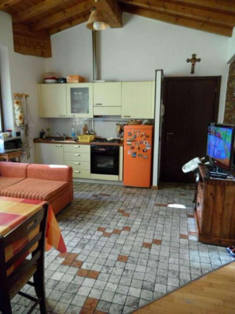Bilocale Costa di Mezzate Via Marconi 4