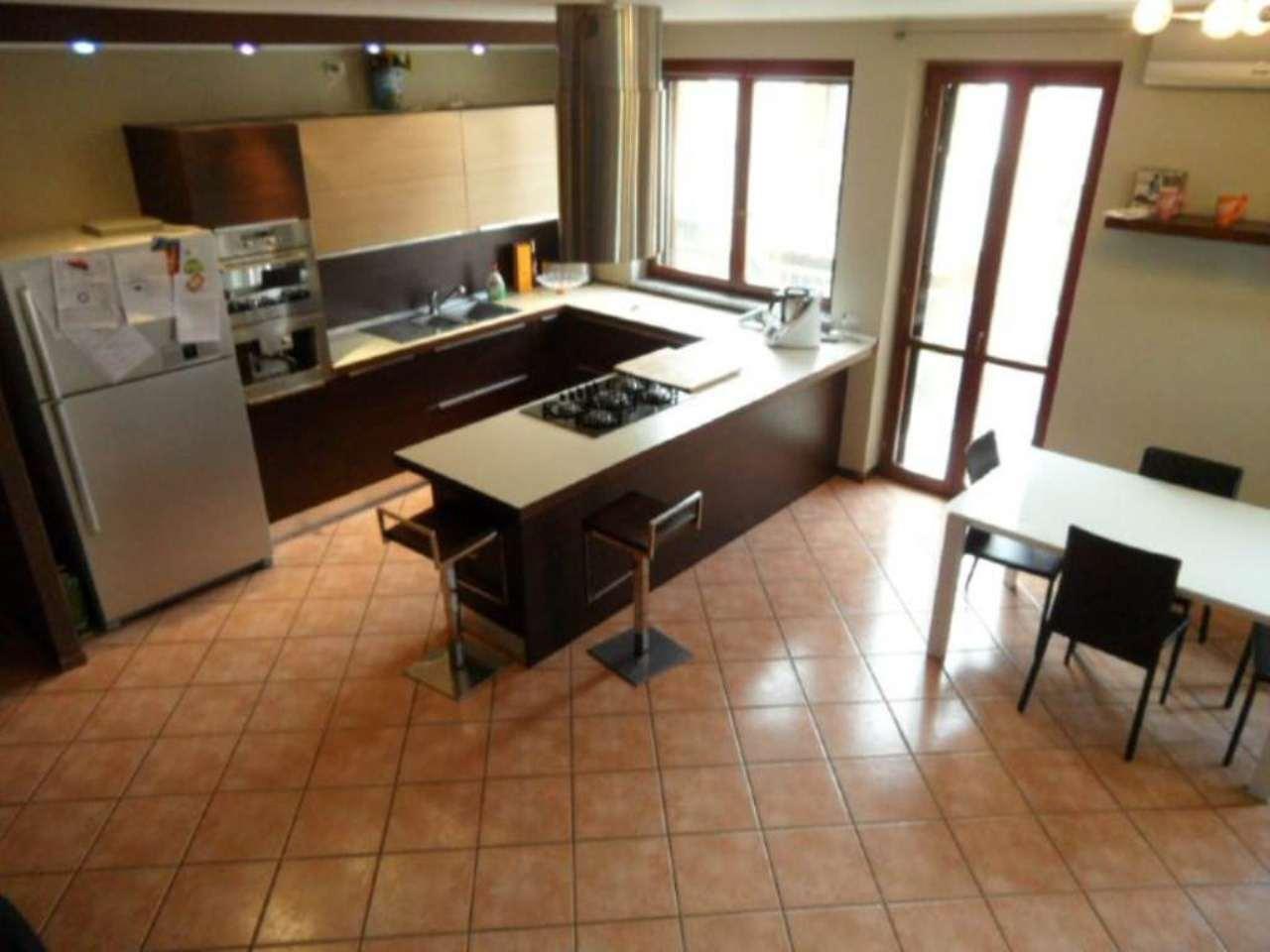 Appartamento in vendita a Grassobbio, 4 locali, prezzo € 180.000 | Cambio Casa.it
