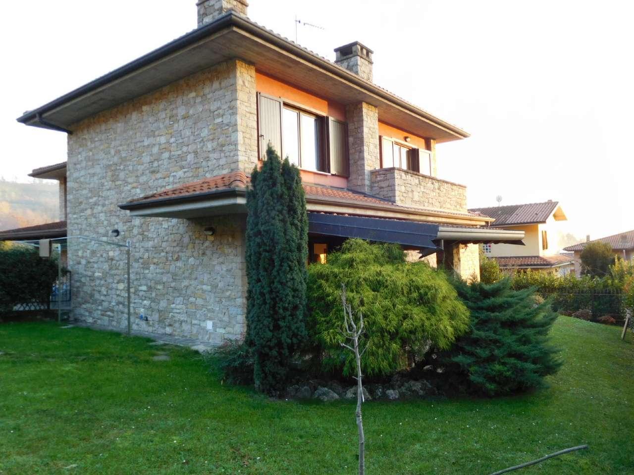 Villa Bifamiliare in vendita a Cenate Sopra, 4 locali, prezzo € 335.000   Cambio Casa.it