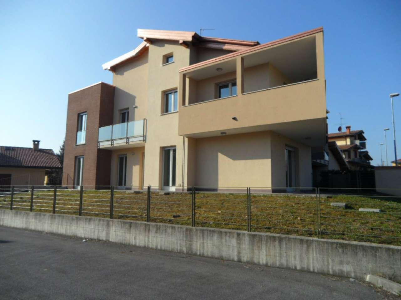 Appartamento in vendita a Albano Sant'Alessandro, 4 locali, prezzo € 325.000 | Cambio Casa.it