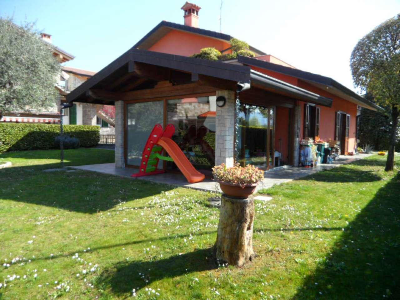 Villa a Schiera in vendita a San Paolo d'Argon, 4 locali, prezzo € 590.000 | CambioCasa.it
