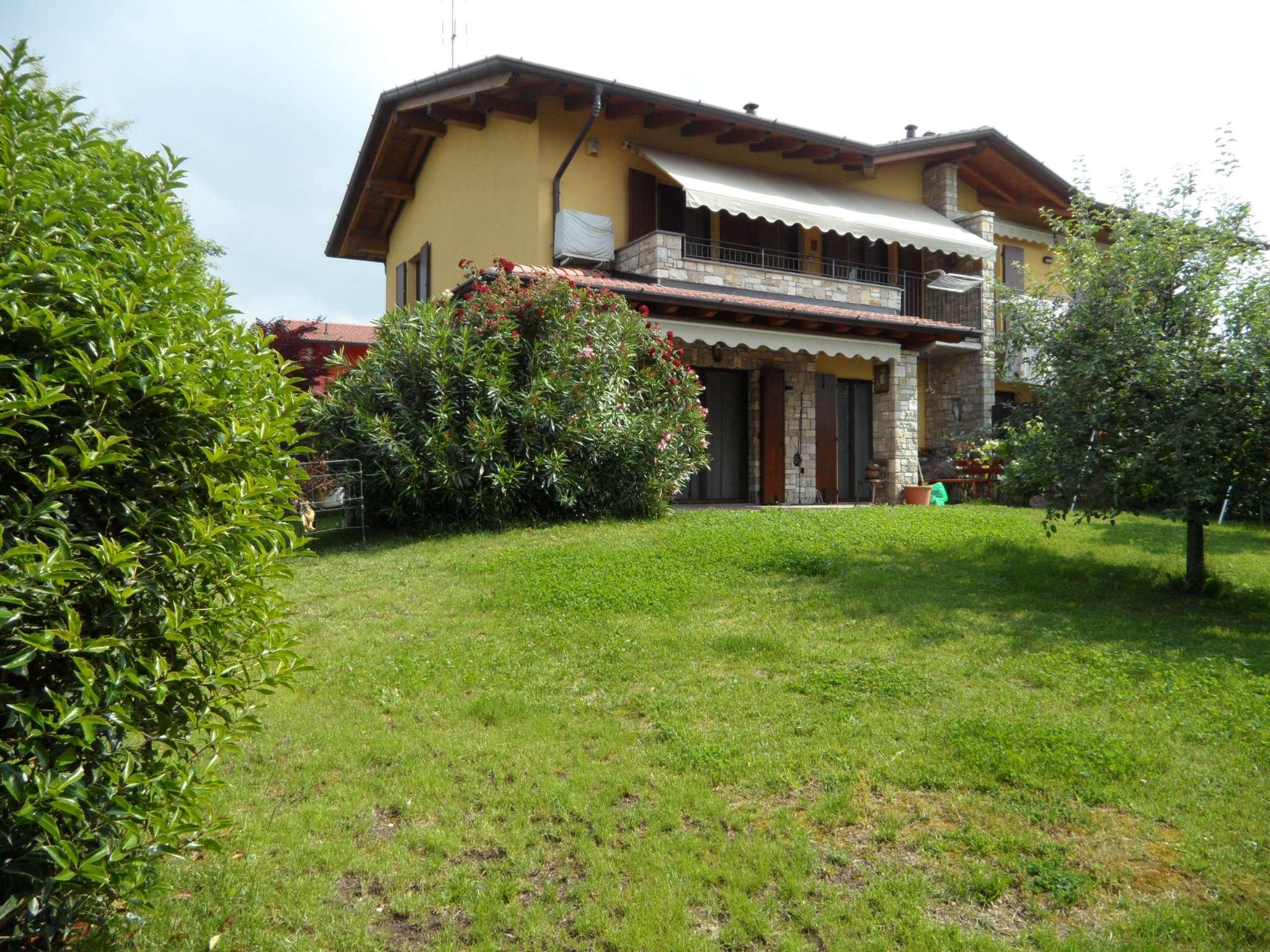 Villa Bifamiliare in Vendita a Cenate Sotto