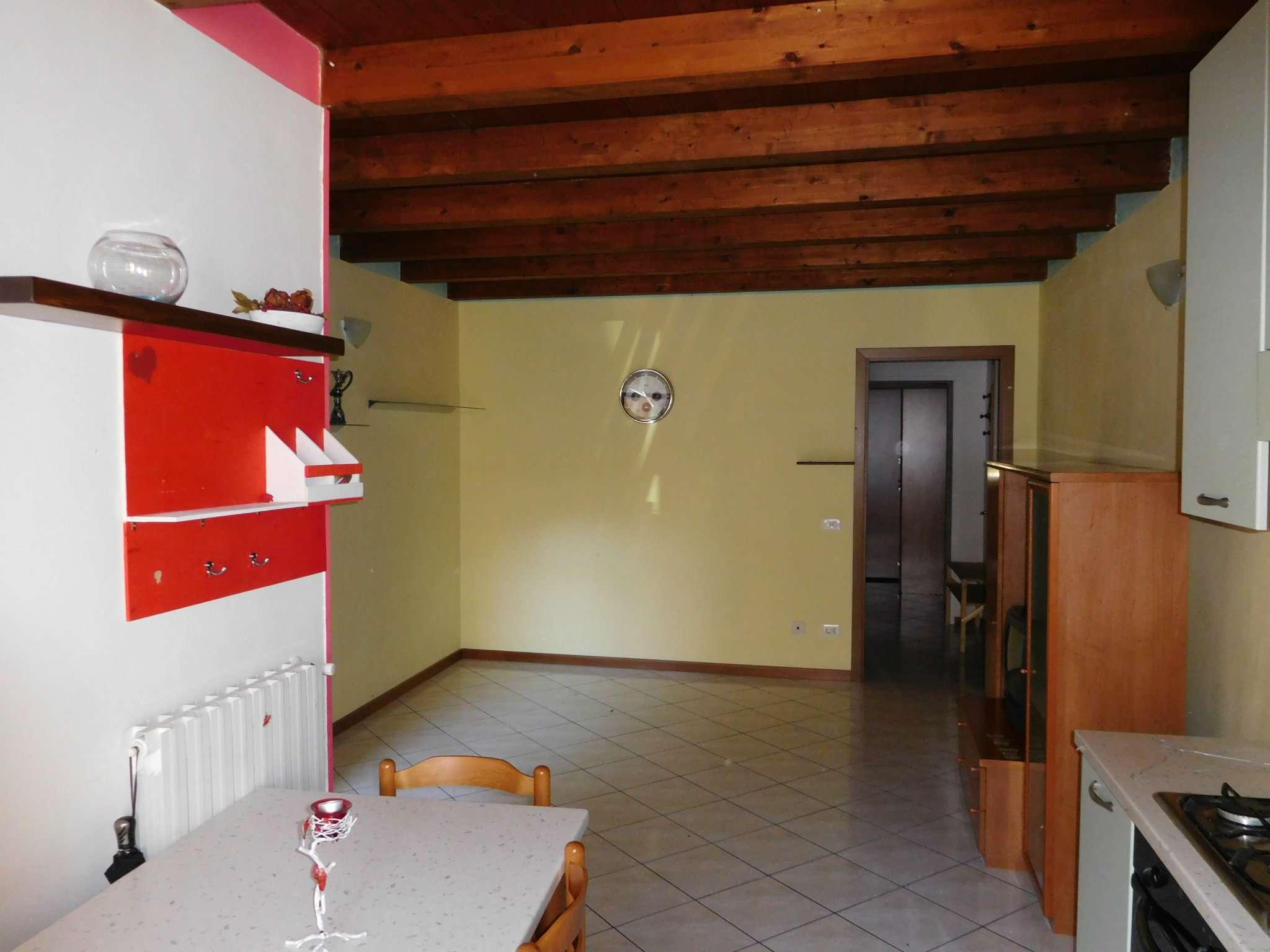Appartamento in vendita a Brusaporto, 2 locali, prezzo € 65.000   CambioCasa.it