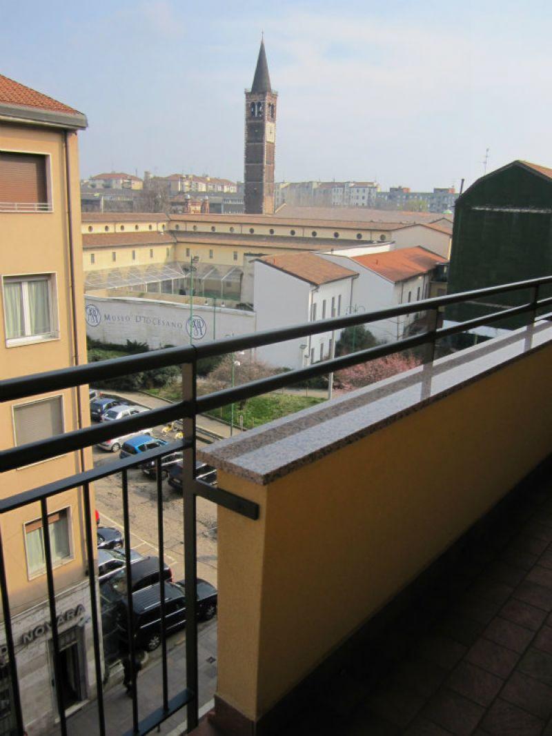 Bilocale Milano Corso Porta Ticinese 7