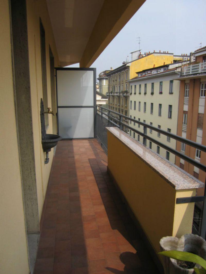 Bilocale Milano Corso Porta Ticinese 13