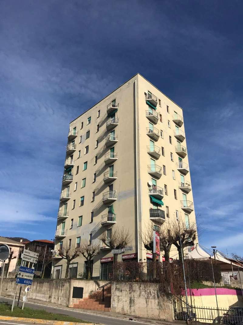 Appartamento in vendita a Saltrio, 2 locali, prezzo € 39.000 | Cambio Casa.it
