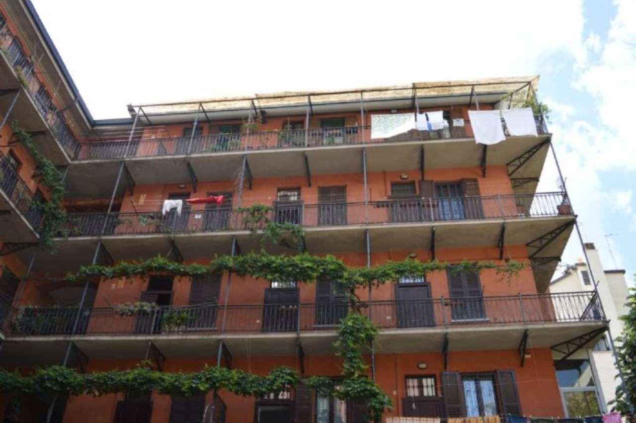 Bilocale Milano Via Domenico Scarlatti 12