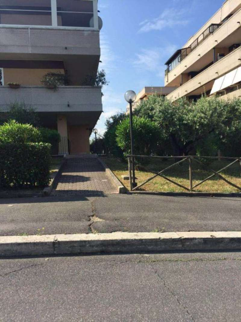 Bilocale Fonte Nuova Via Dei Pini 2