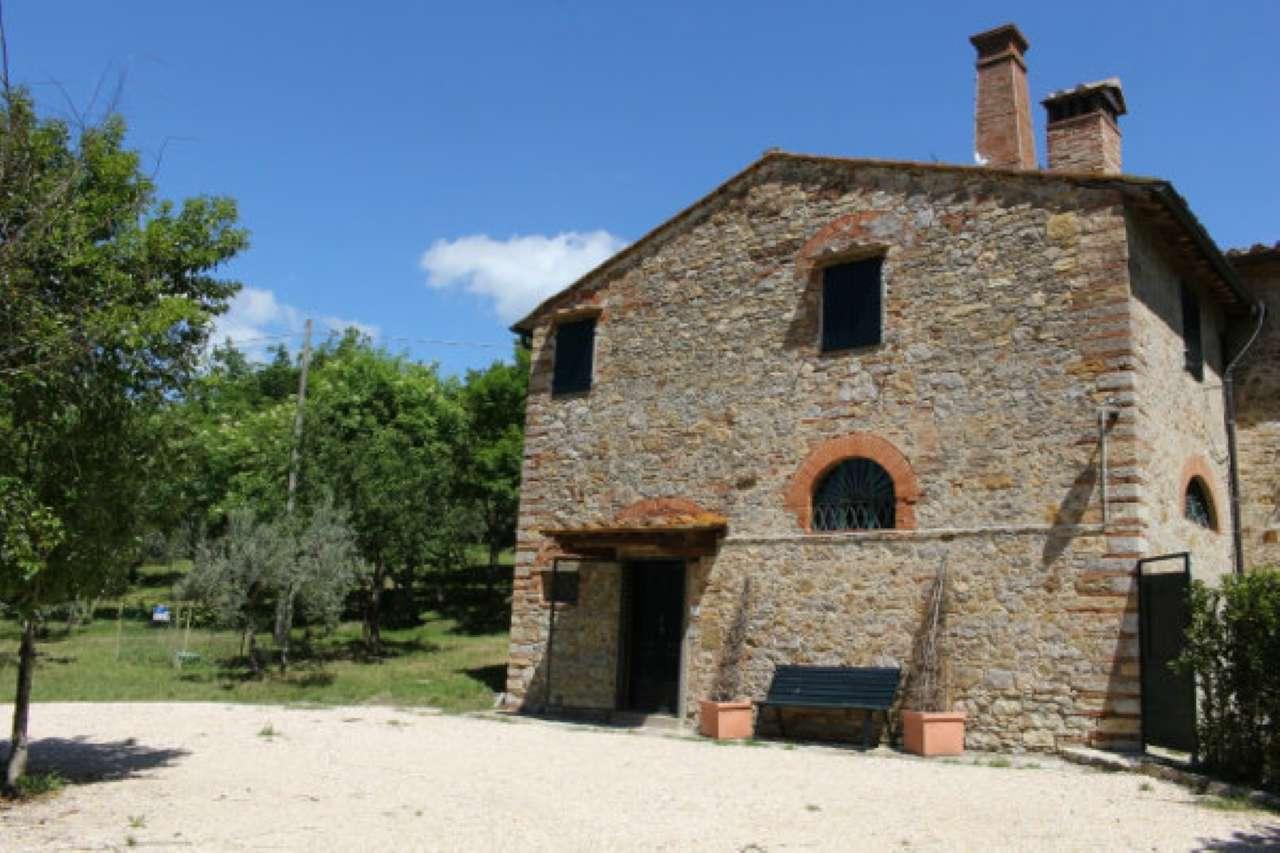 Palazzo / Stabile in Affitto a San Casciano in Val di Pesa