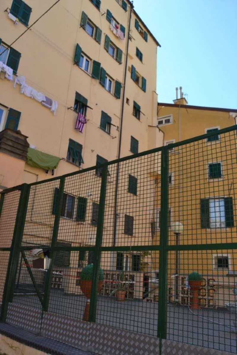 Bilocale Genova Via Bruzza 1