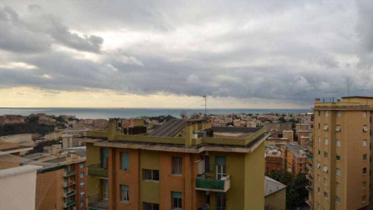 Bilocale Genova Via Copernico 3