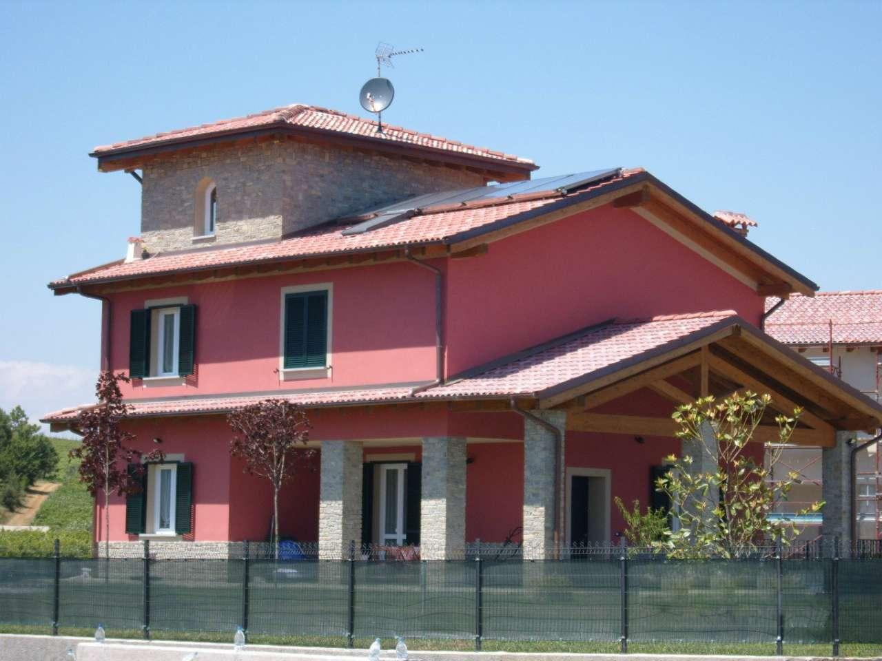 Palazzo / Stabile in Vendita a Rocca Grimalda