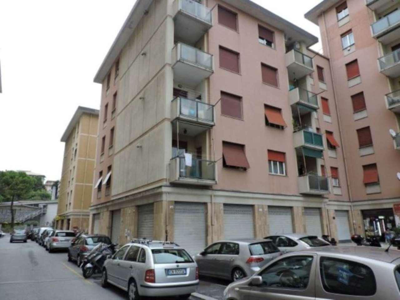 Bilocale Genova Via Rinaldo Rigola 1
