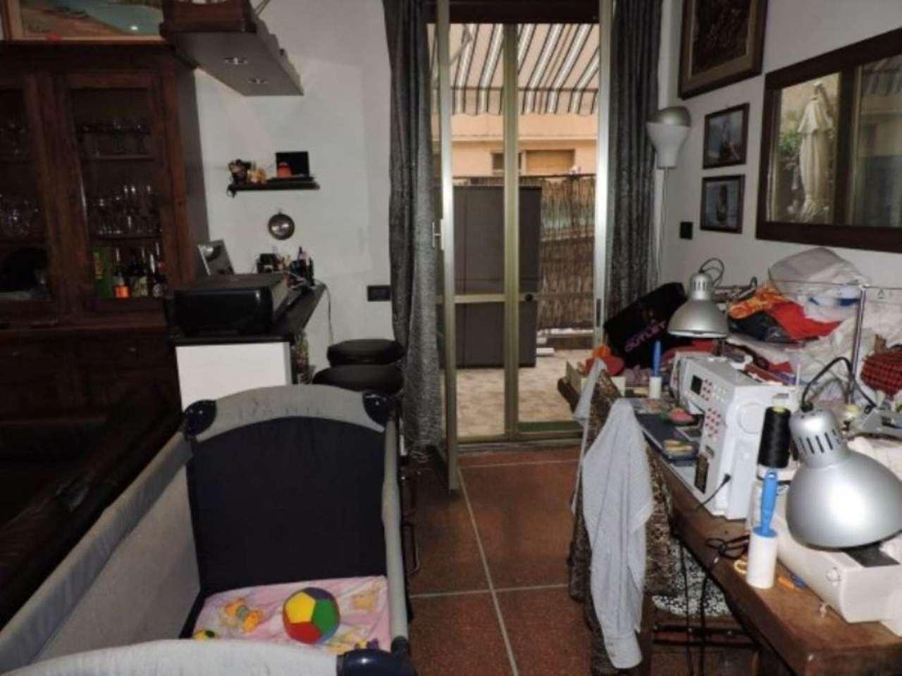Bilocale Genova Via Rinaldo Rigola 6