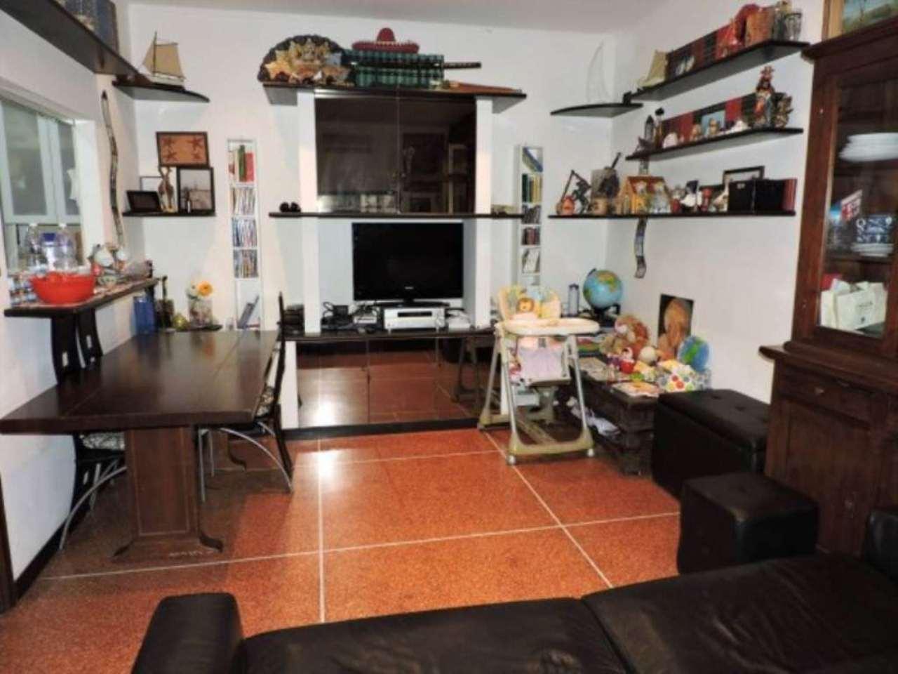 Bilocale Genova Via Rinaldo Rigola 7
