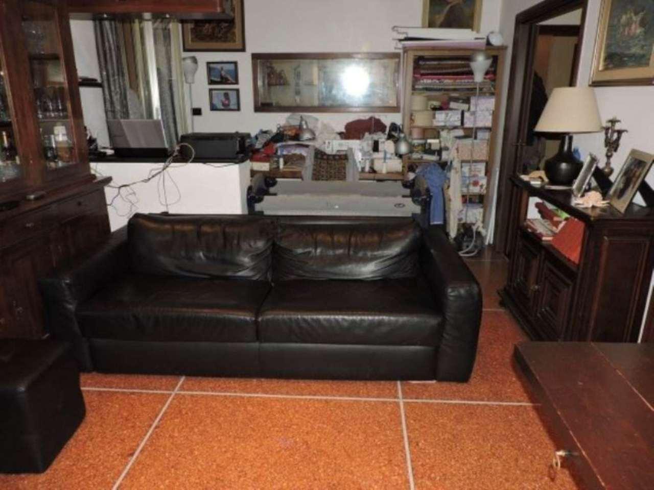 Bilocale Genova Via Rinaldo Rigola 8