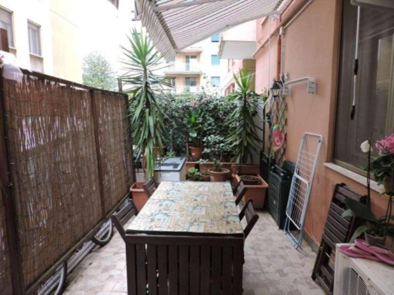 Bilocale Genova Via Rinaldo Rigola 11