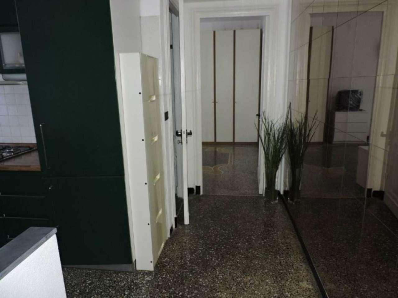 Bilocale Genova Via Dino Col 3