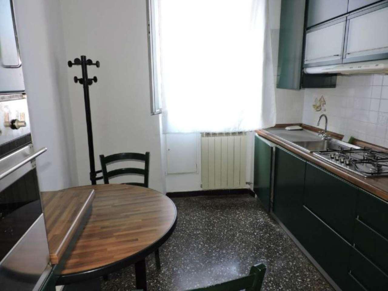 Bilocale Genova Via Dino Col 4