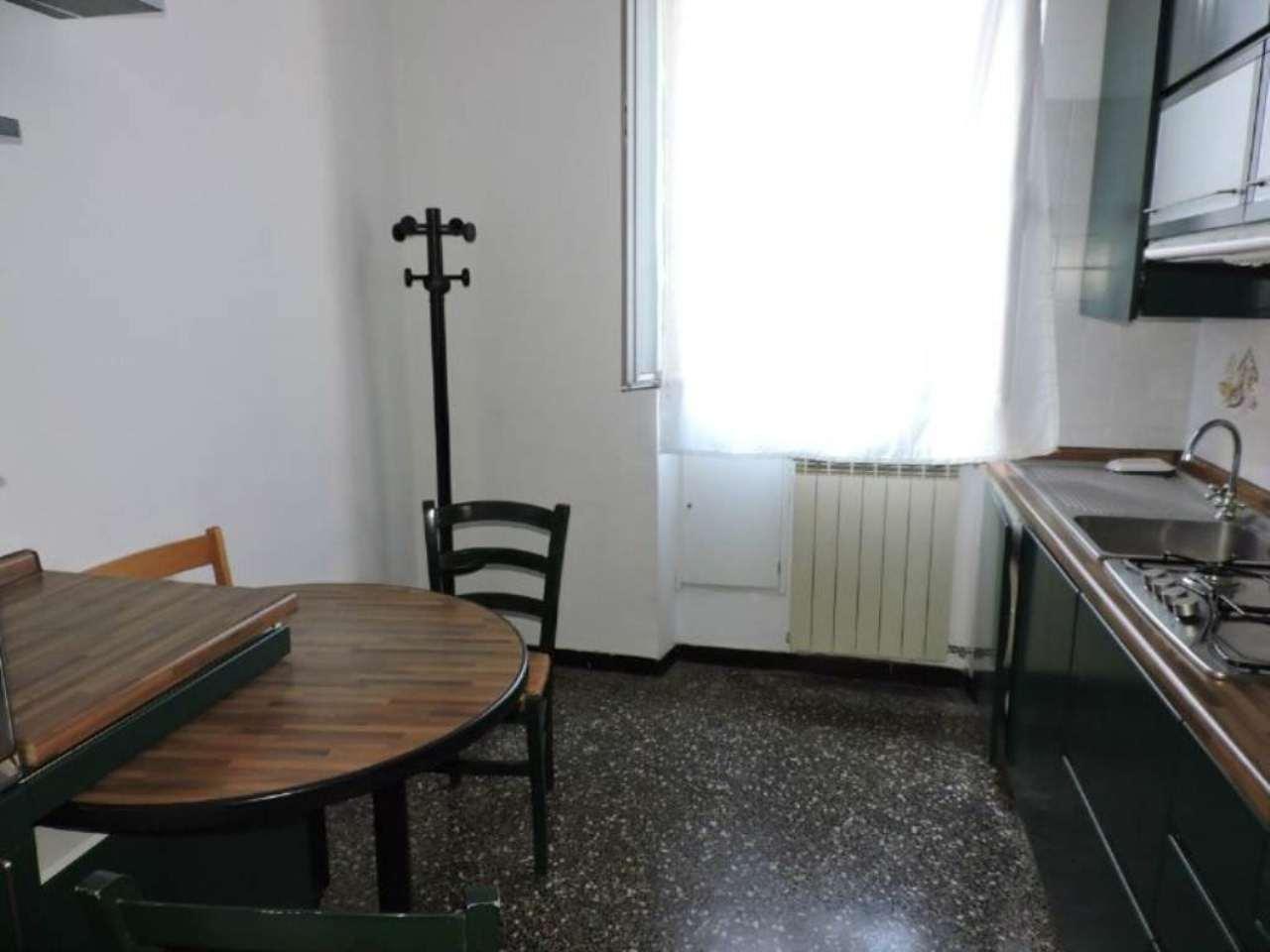 Bilocale Genova Via Dino Col 5