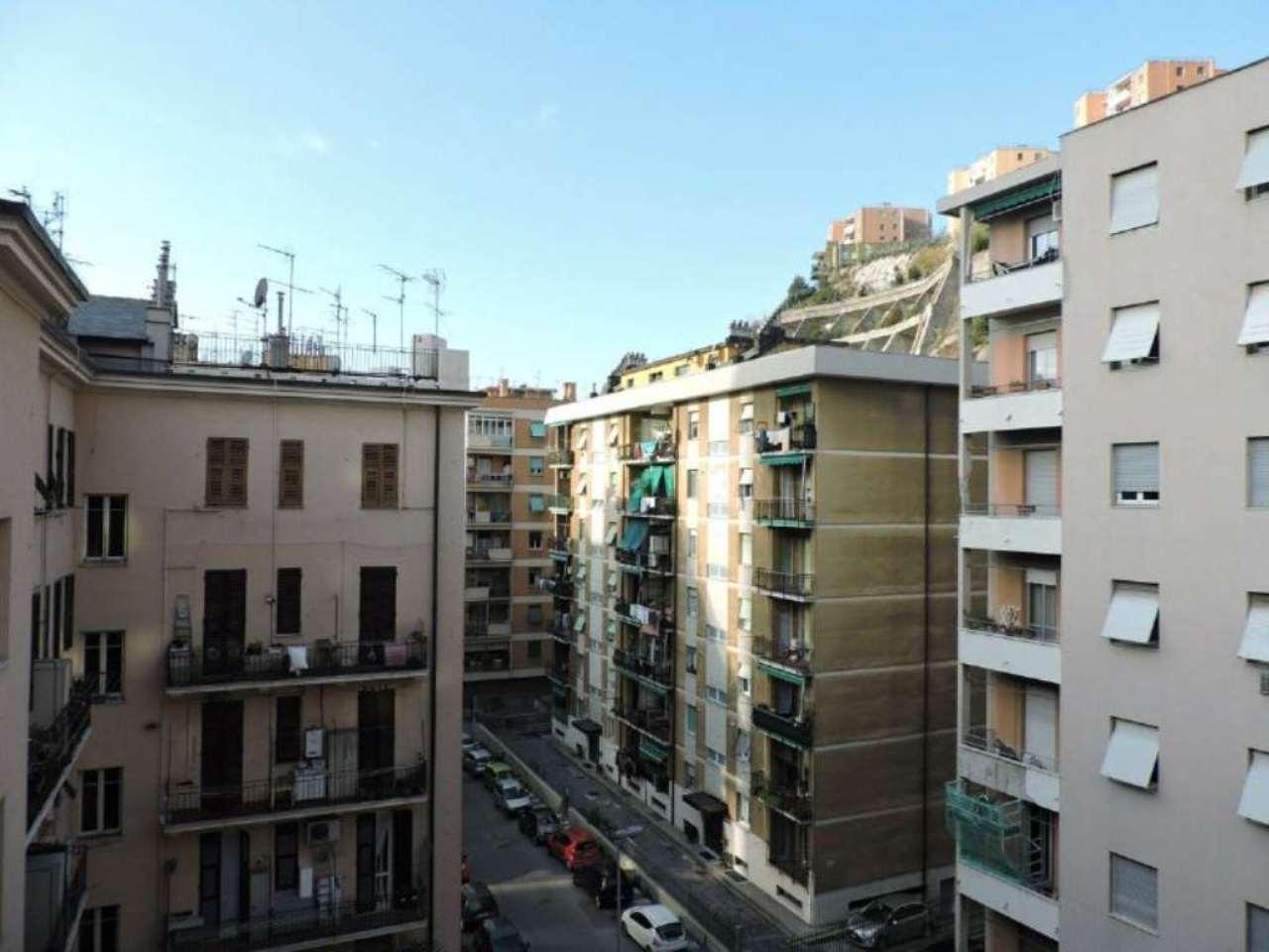 Bilocale Genova Via Dino Col 10
